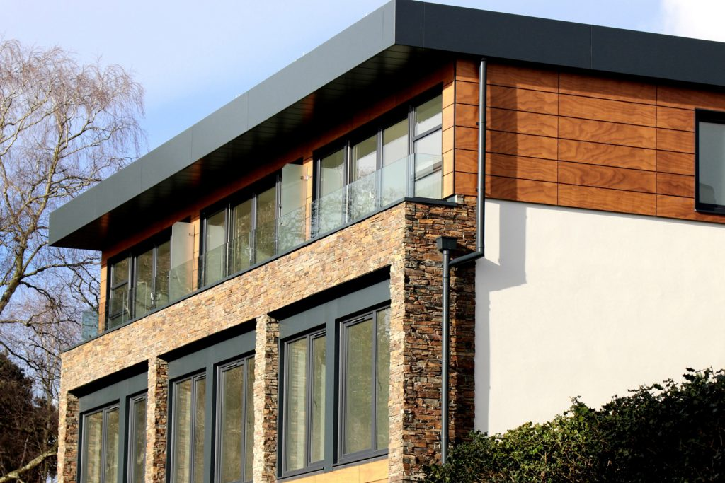 Newly build modern detached home